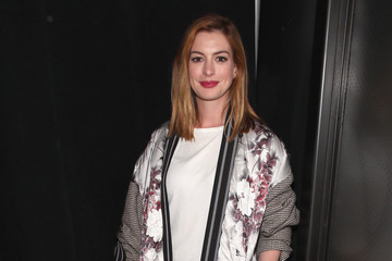 Anne Hathaway Social Ready Views Of New York Fashion Week September 2018
