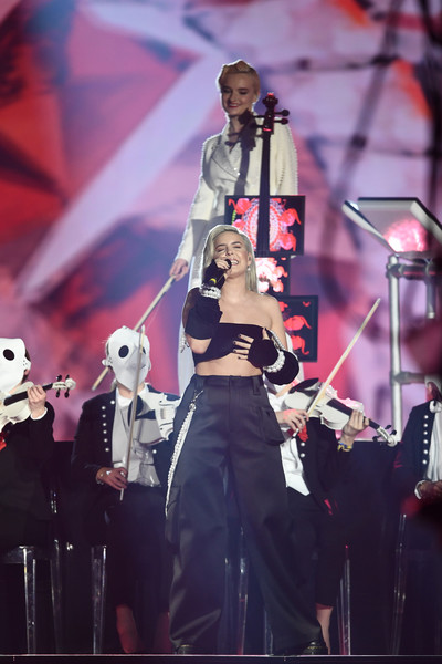 MTV EMAs 2017 - Show [performance,entertainment,performing arts,music artist,concert,music,musician,stage,event,public event,anne marie,stage,england,london,sse arena,wembley,mtv,clean bandit,emas 2017 - show]