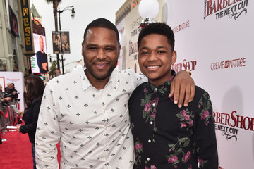 Anthony Anderson Nathan Anderson Premiere of New Line Cinema's 'Barbershop: The Next Cut' - Red Carpet