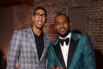 Anthony Davis LeBron James GQ & LeBron James All Star Party Sponsored By Samsung Galaxy And Beats - Inside