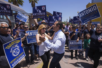 Antonio Villaraigosa California Gubernatorial Candidate Antonio Villaraigosa Campaigns In Los Angeles Ahead Of Tuesday's Primary