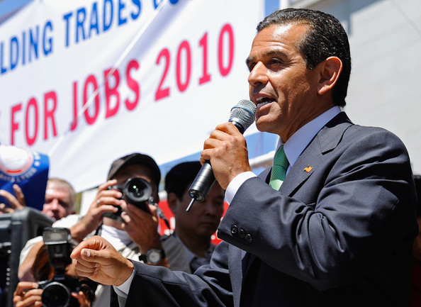los angeles mayor dating The program is primarily funded by the mayor's fund for los angeles and the foundation for the los angeles community colleges.