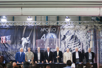 Charlie Duke Apollo Astronauts Mark 40th Anniversary Of First Moon Landing