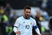 Lionel Messi of Argentina controls the ball during the Copa America Brazil 2019 Third Place match between Argentina and Chile at Arena Corinthians on July 06, 2019 in Sao Paulo, Brazil.