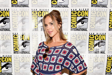 "Arielle Kebbel Comic-Con International 2017 - ""Midnight, Texas"" Press Line"
