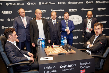 Arkady Dvorkovich First Move Ceremony Of The Championship Match 2018