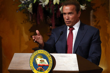 Arnold Schwarzenegger Gov. Brown Unveils Offical Gubernatorial Portrait Of Former Governor Schwarzenegger