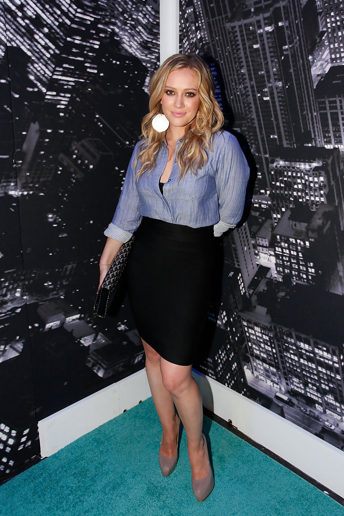 Hilary Duff in Around Bryant Park - Day 3 - Spring 2010 ...