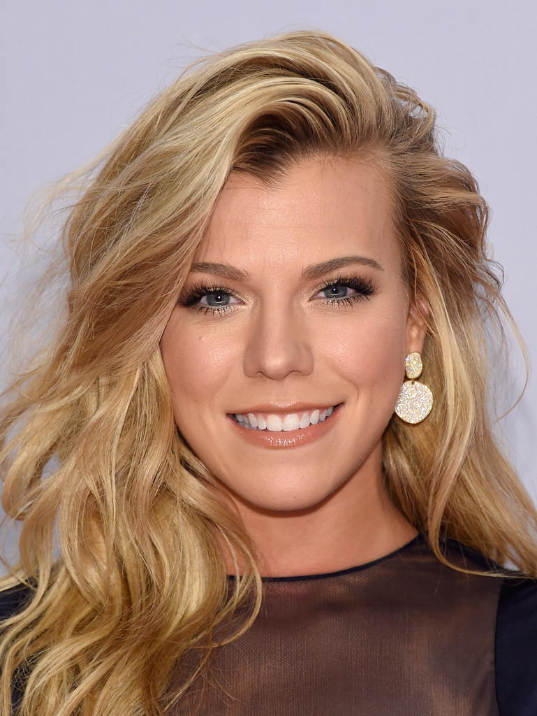 Kimberly Perry Photos Photos Arrivals At The 48th Annual