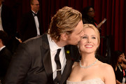 Kristen Bell and Dax Sheppard continued to be the cutest. - The Most Memorable Red Carpet Moments of 2014