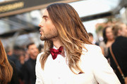 When Jared Leto let his long hair flow in 2014. - Memorable Red Carpet Moments from the Oscars