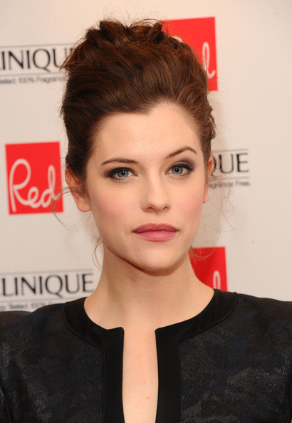 Jessica De Gouw in Arrivals at the Red Women of the Year ...