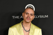Evan Ross arrives at the Art Of Elysium's 13th Annual Celebration - Heaven on January 04, 2020 in Los Angeles, California.