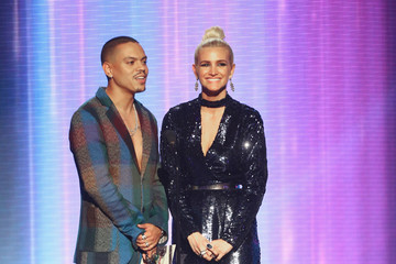 Ashlee Simpson 2018 American Music Awards - Fixed Show