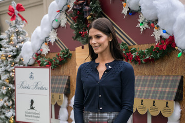 Ashley Greene Brooks Brothers Hosts Annual Holiday Celebration In Los Angeles To Benefit St. Jude - Red Carpet
