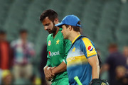 Shoaib Malik of Pakistan leaves the field injured during game five of the One Day International series between Australia and Pakistan at Adelaide Oval on January 26, 2017 in Adelaide, Australia.
