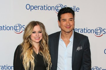 Avril Lavigne Operation Smile's Hollywood Fight Night Hosted By Brooke Burke And Manny Pacquiao