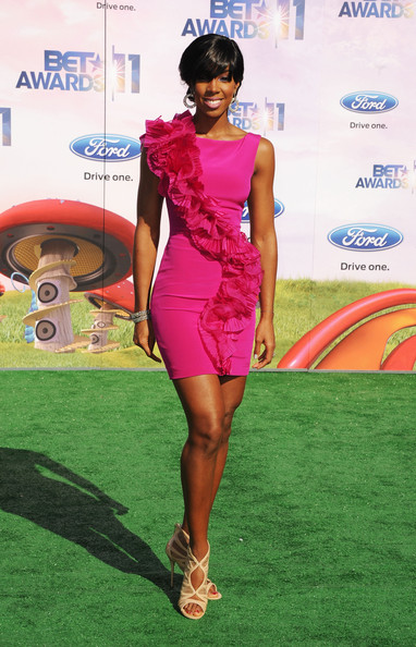 Singer Kelly Rowland arrives at the BET Awards '11 held at the Shrine Auditorium on June 26, 2011 in Los Angeles, California.