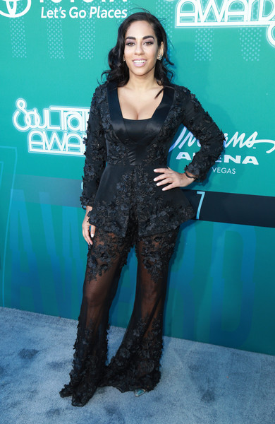 BET Presents: 2017 Soul Train Awards - Red Carpet & Arrivals