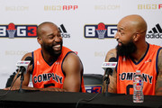 Baron Davis and Drew Gooden Photos Photo