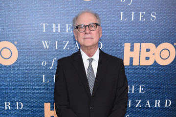 Barry Levinson 'The Wizard of Lies' New York Premiere - Arrivals