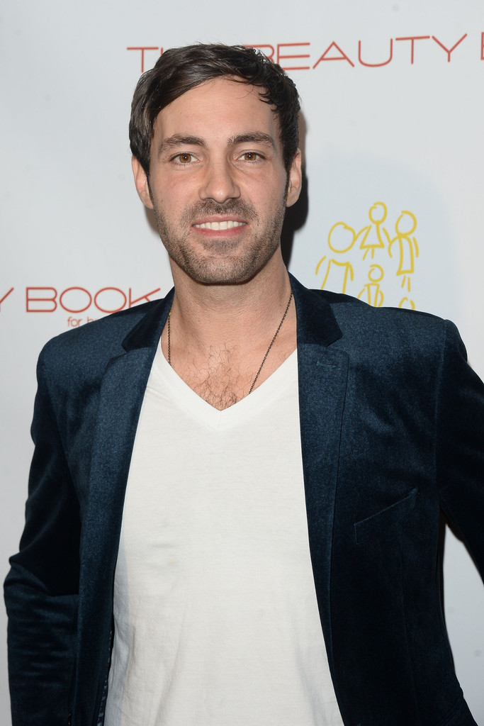 how tall is jeff dye