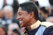 US singer Jermaine Jackson arrives on May 24, 2017 for the screening of the film 'The Beguiled' at the 70th edition of the Cannes Film Festival in Cannes, southern France.  / AFP PHOTO / Valery HACHE
