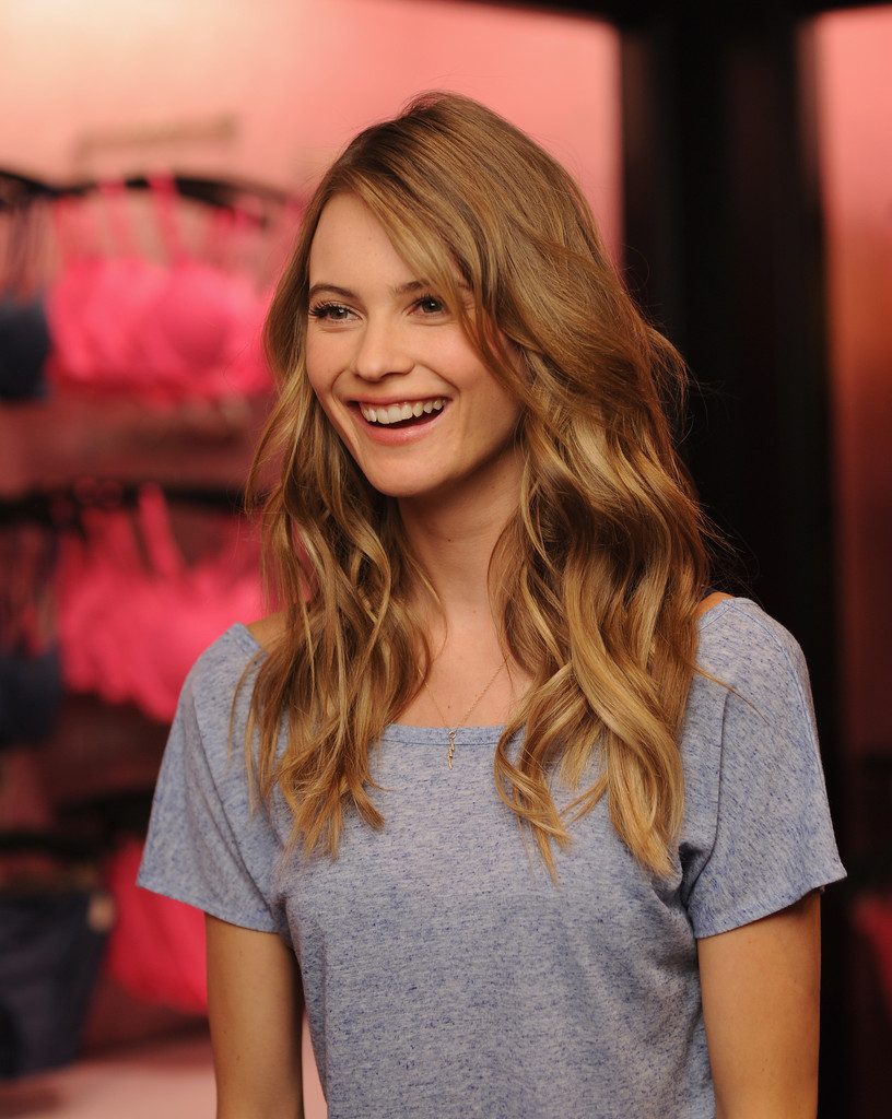 Behati Prinsloo Fronts Free People S June E Catalog: Behati Prinsloo In Behati Prinsloo Introduces The T-Shirt