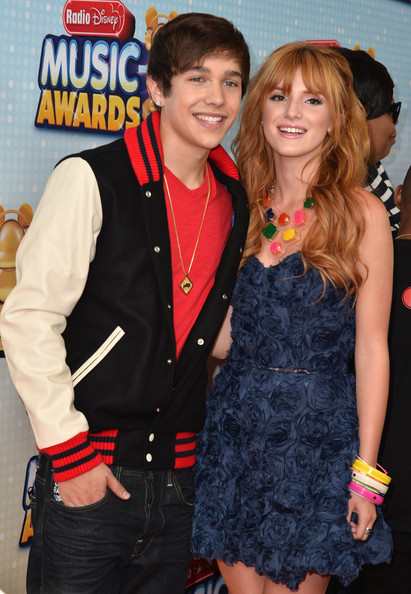 Who Is Bella Thorne Dating Wdw