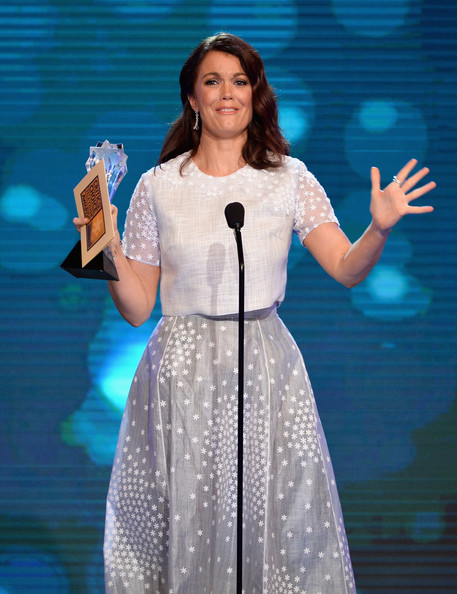 Bellamy young pictures 4th annual critics choice television awards