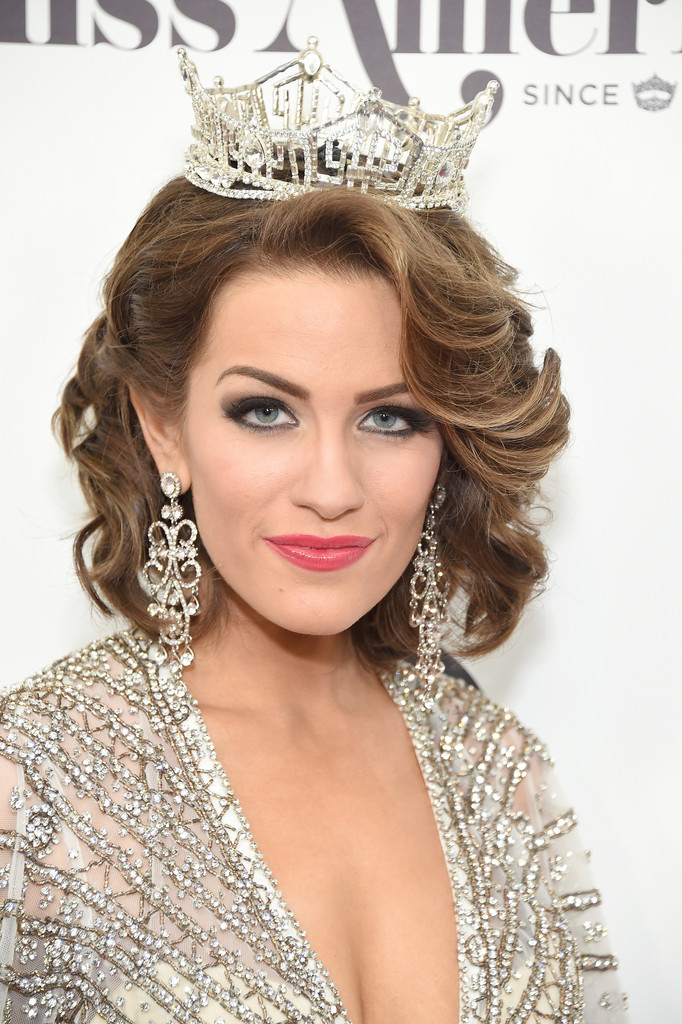betty cantrell, miss america 2016. - Página 8 Betty+Cantrell+2017+Miss+America+Competition+9FEKtQJozqGx