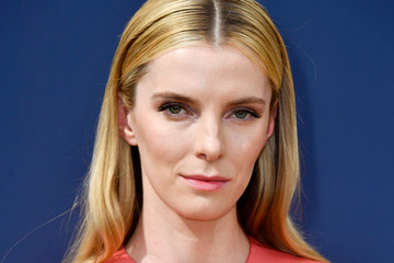Betty Gilpin 70th Emmy Awards - Arrivals