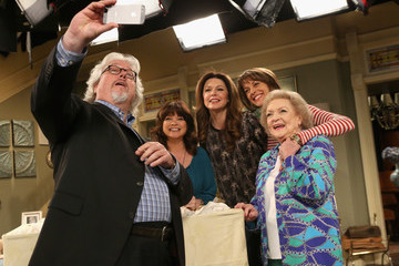 Betty White 'Hot in Cleveland' Celebrates 100 Episodes