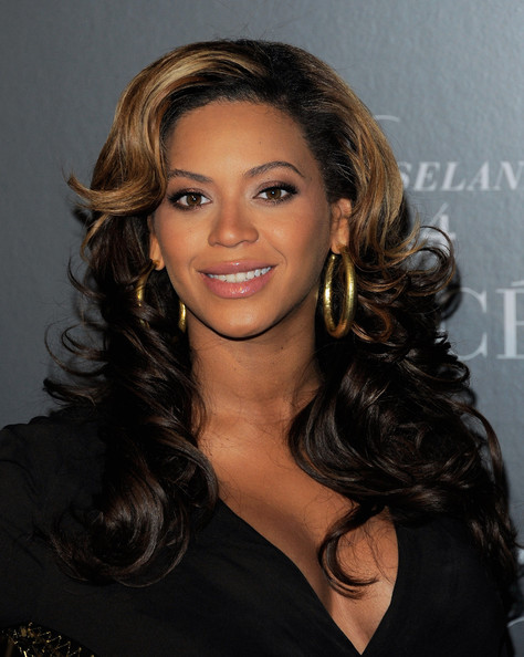 http://www3.pictures.zimbio.com/gi/Beyonce+Knowles+Beyonce+Hosts+Screening+Live+JZDjfjJpy8ll.jpg