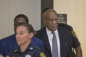 Bill Cosby Bill Cosby's Lawyers Seek to Withdraw From His Case