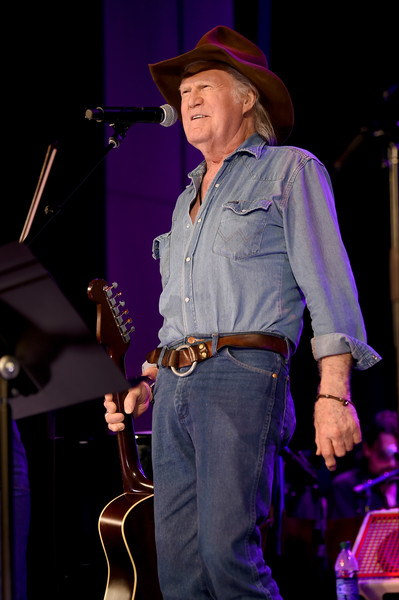 Country's Roaring '70s: Outlaws And Armadillos Exhibition Opening Concert