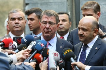 Binali Yildirim US Secretary of Defence Ashton Carter in Ankara for Talks on the Fight Against the Islamic State Group
