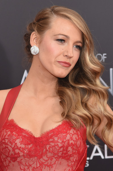 blake lively photos photos 39 the age of adaline 39 new york. Black Bedroom Furniture Sets. Home Design Ideas