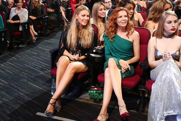 Blake Lively Robyn Lively People's Choice Awards 2017 - Show
