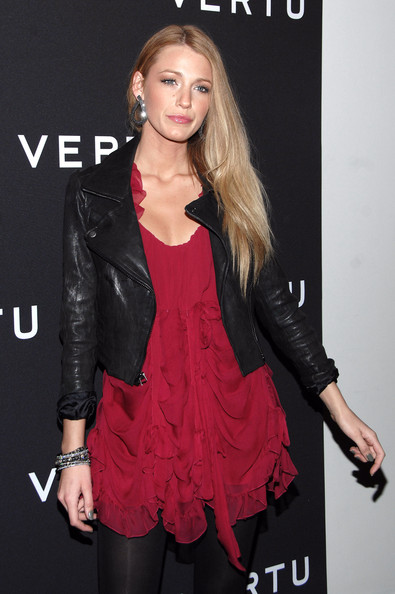 Blake Lively Actress Blake Lively attends the launch of Vertu's smartphone at Berry Hill Galleries on October 20, 2010 in New York City.