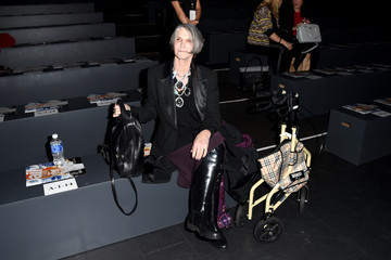 Bobbi Queen Dennis Basso - Front Row - Fall 2016 New York Fashion Week: The Shows