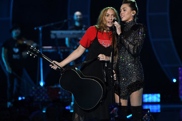 Brandi Cyrus 2017 iHeartRadio Music Festival - Night 2 - Show
