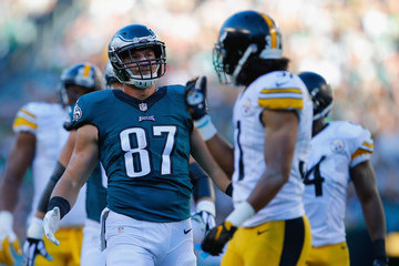 Brent Celek Pittsburgh Steelers v Philadelphia Eagles