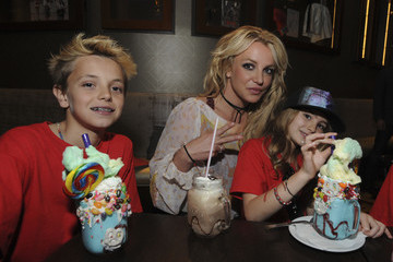 Britney Spears Britney Spears Enjoys A Family Outing At Planet Hollywood Disney Springs