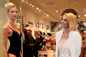 Britney Spears Britney Spears Presents Her Intimate Collection