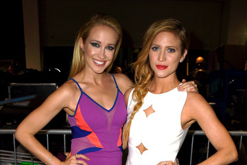 Brittany Snow And Anna Camp Brittany Snow Anna Cam...