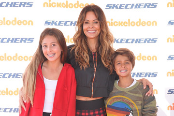 Brooke Burke Shaya Charvet 10th Annual Skechers Pier To Pier Friendship Walk