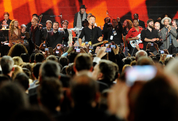 Bruce+Springsteen+2013+MusiCares+Person+Year+34SumvqD4gul.jpg