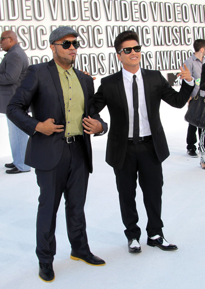 2010 MTV Video Music Awards - Arrivals [suit,white-collar worker,eyewear,formal wear,fashion,event,footwear,tuxedo,premiere,bodyguard,arrivals,phillip lawrence,bruno mars,2010 mtv video music awards,california,los angeles,nokia theatre l.a. live]