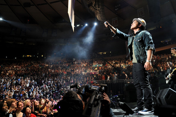 bruno mars pictures z100 39 s jingle ball 2010 presented by h m show zimbio